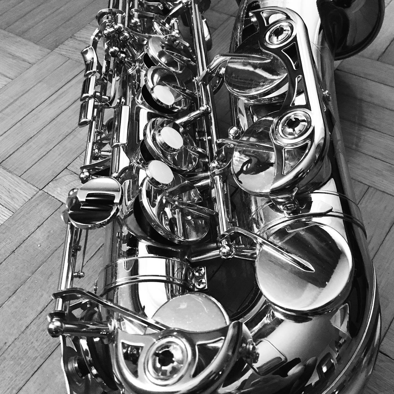 Download most popular saxophone sheet music